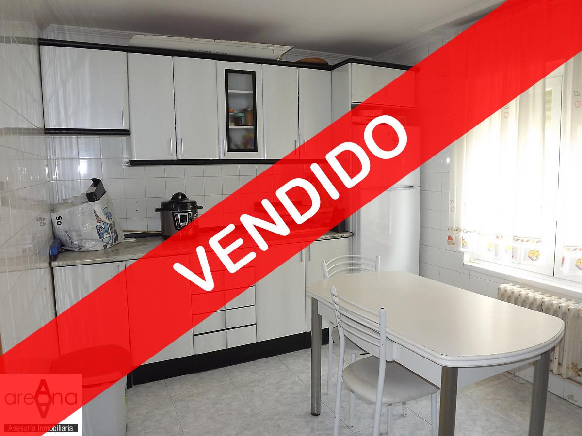 Bajo de 3 habitaciones reformado en Villava