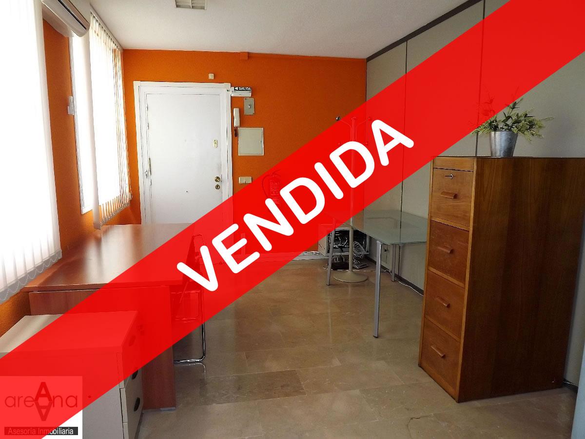 Oficina, 90 m2 totalmente equipada, en Burlada
