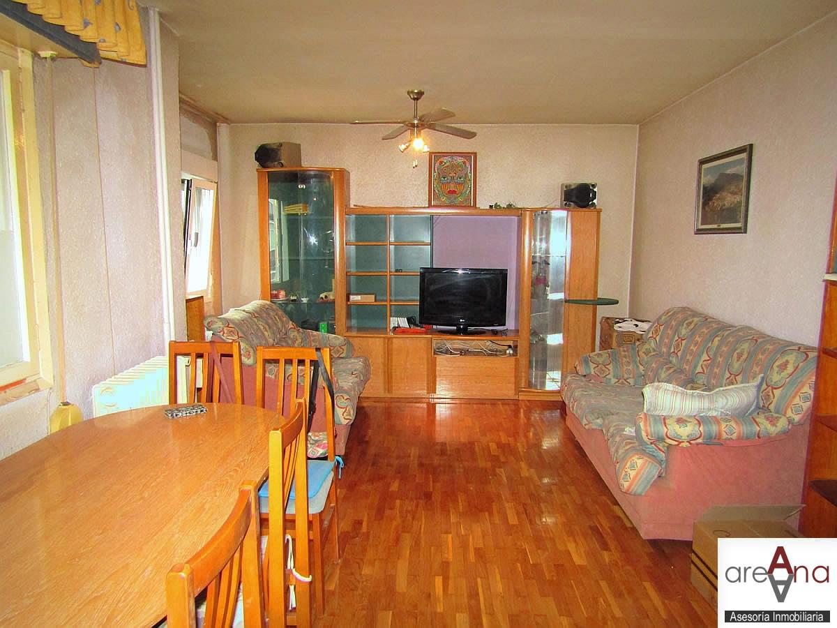 Piso de 2 habitaciones con ascensor, en Txantrea-Orvina