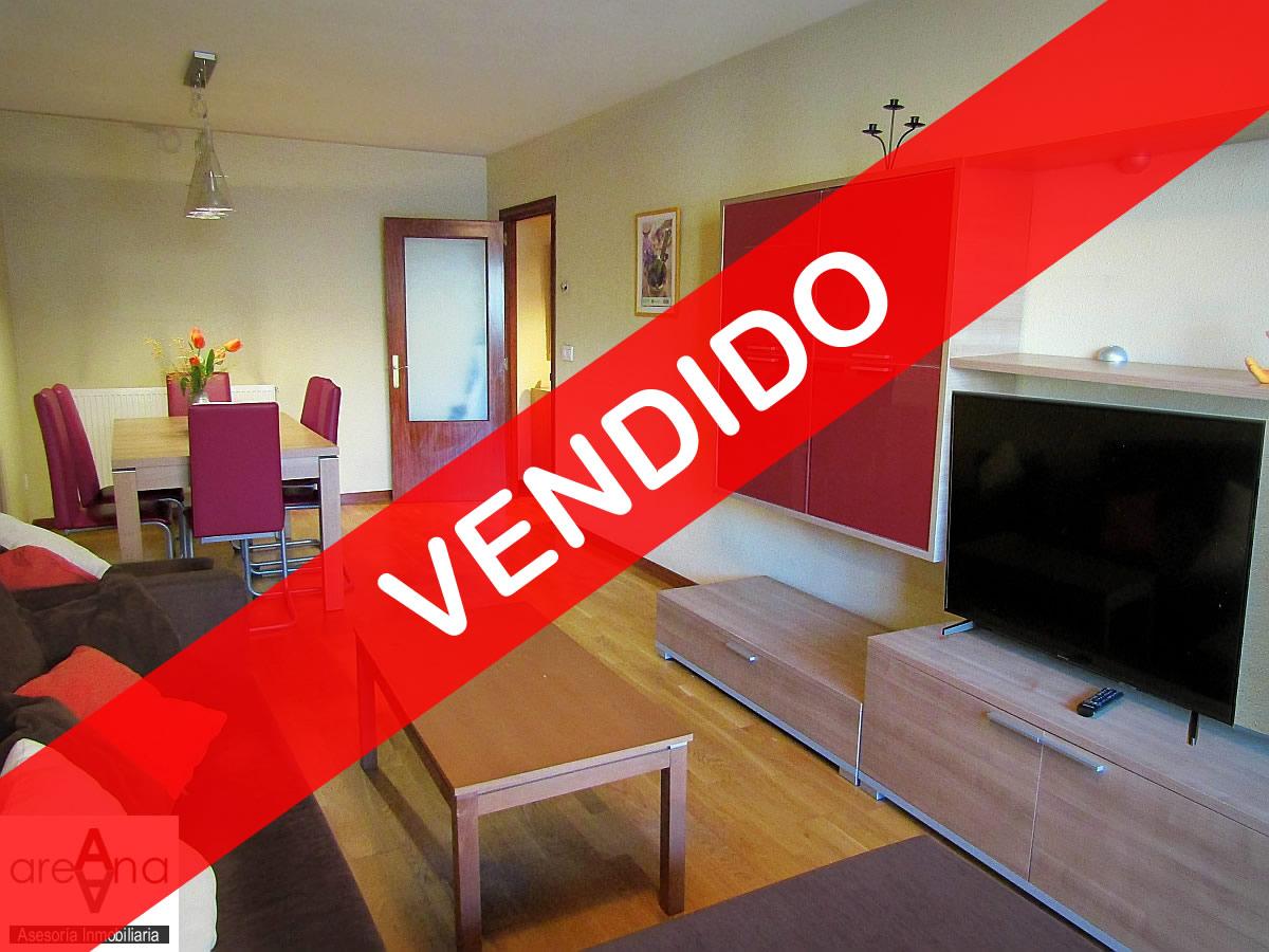 Piso de 2 habitaciones con garaje y trastero, en Rotxapea (Pamplona)